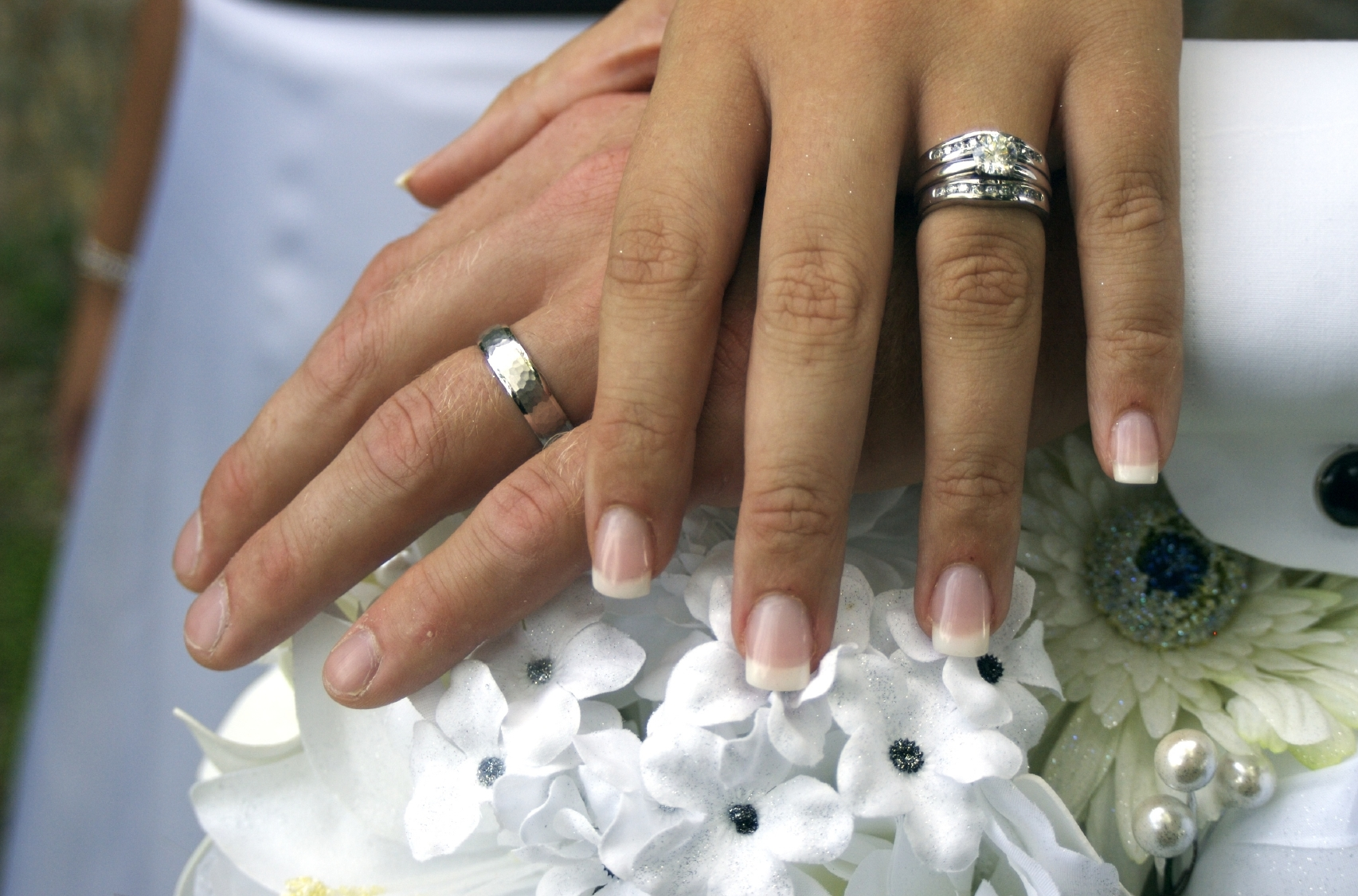 Aspen Wedding Limo with Wedding Rings Crossed Hands