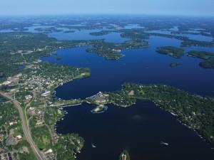 Lake Minnetonka MN Area Minneapolis - From River Falls WI Limo Car Transportation Service to Lake Minnetonka Photo