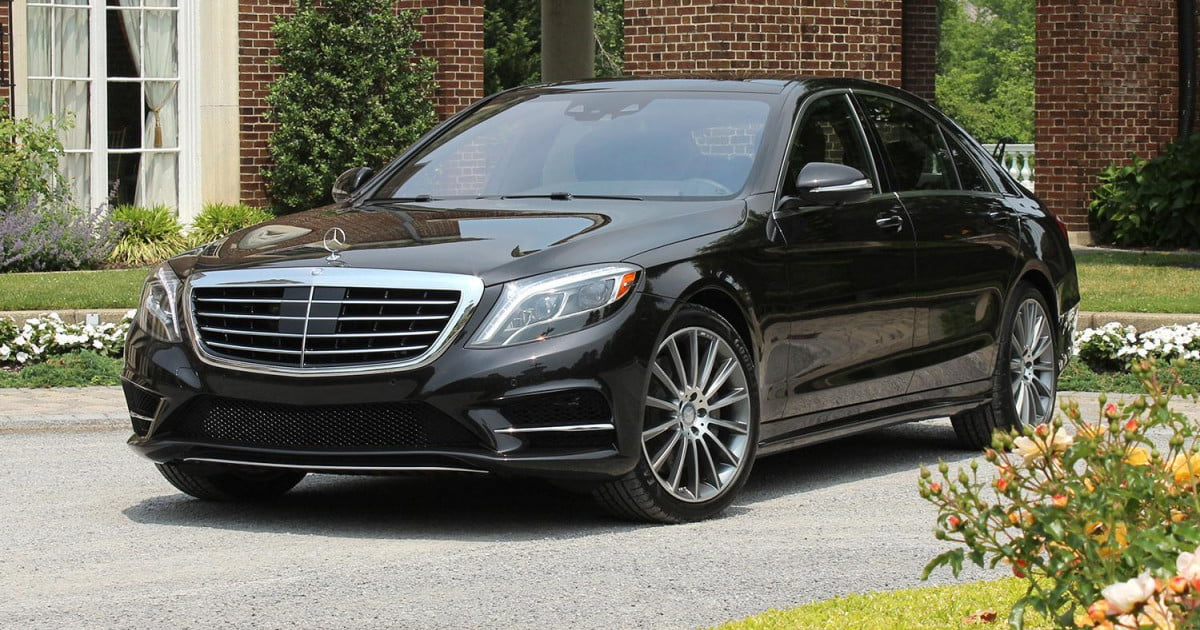Mercedes Sedans Car Services Minneapolis MN / St Paul Minnesota Black Outdoors - Aspen Limo and Car Services
