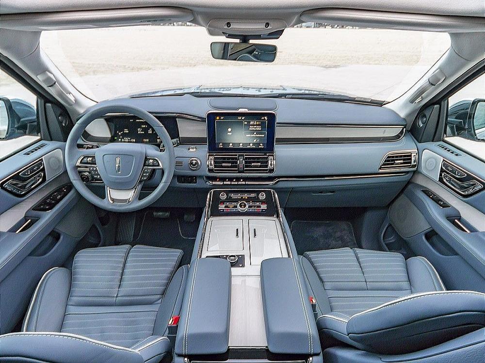 2018 Lincoln Navigator SUV Light Blue Interior Front Area Photo Car Services Minneapolis MN / St Paul Minnesota