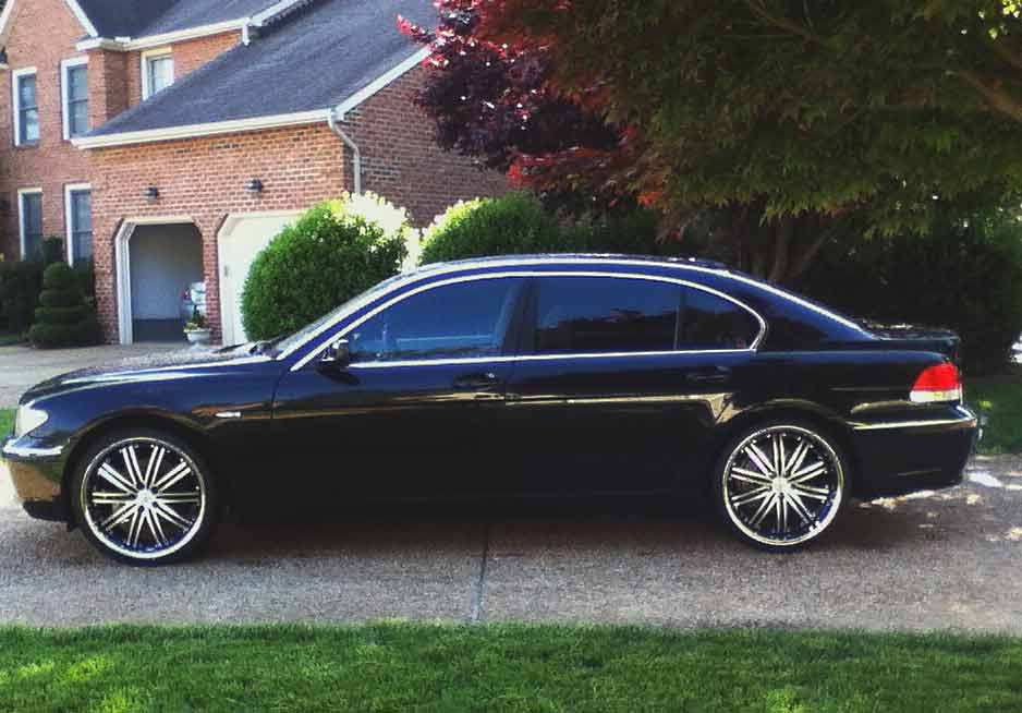 BMW 7-Series in Driveway Chauffeured Car Services Minneapolis MN / St Paul Minnesota