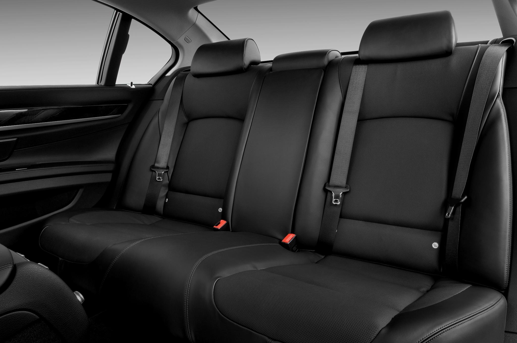 BMW 7-Series Interior Back Seats View Chauffeured Car Services Minneapolis MN / St Paul Minnesota