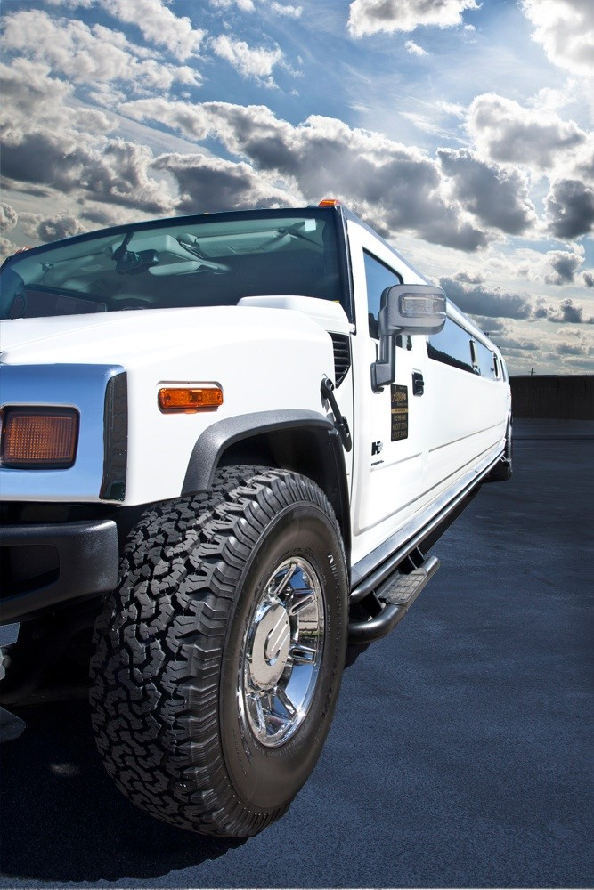 H2 Hummer Stretch Limo Services Minneapolis MN / St Paul Minnesota Front to Back Angle View