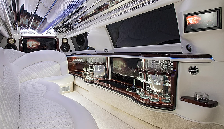 Stretch Limo Services Minneapolis MN / St Paul Minnesota White Interior View