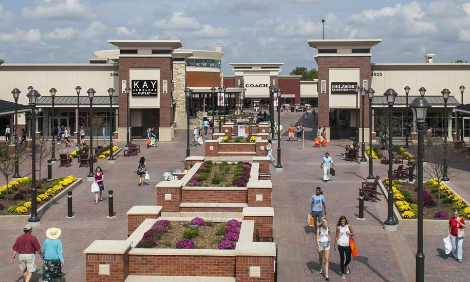 Premium Outlet Shopping Twin Cities - Eagan Minnesota